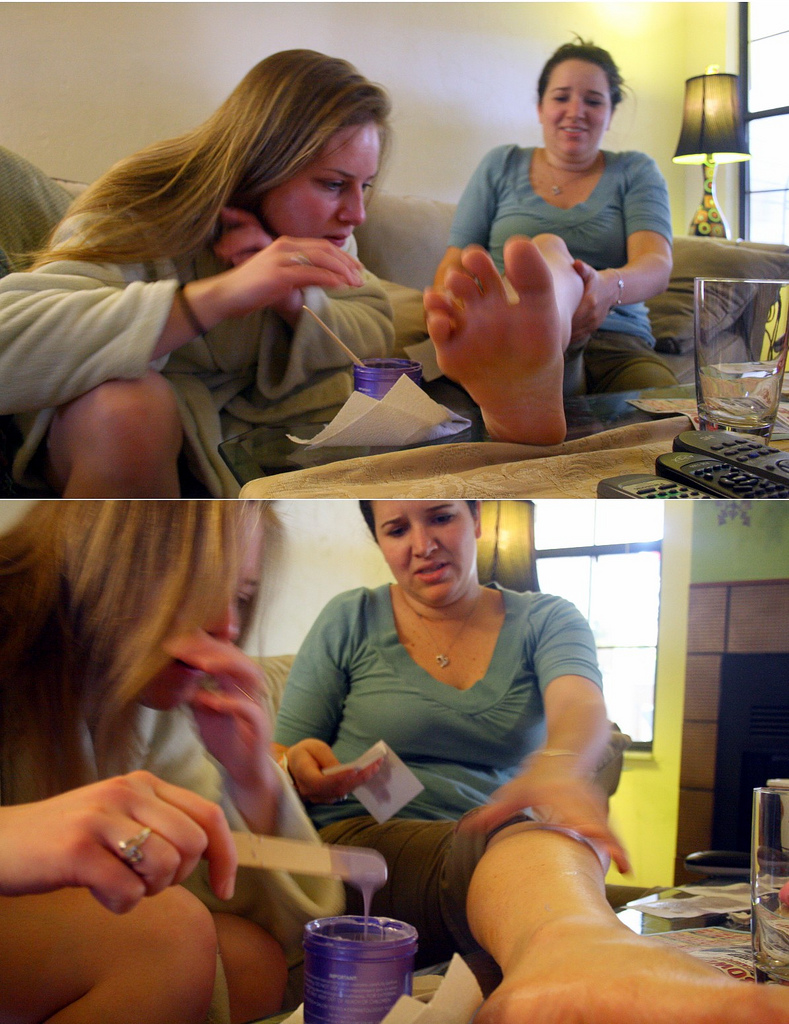 phot of DIY leg waxing